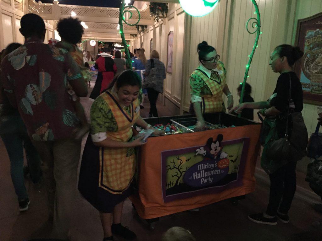"""Tik or teeeeat."" The Disneyland Halloween Party"
